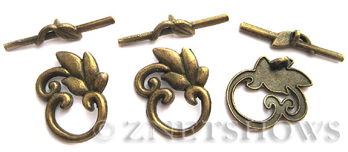 BM Toggle Clasps <b>24x20mm</b> Antique Brass Tone Leaf (3-set-bag) per   <b>5 Bags</b>