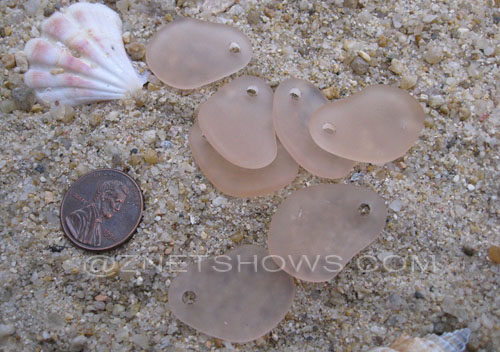 Cultured Sea Glass small freeform curved Pendants  <b>26x18mm</b> 07-Sweet Peach    per  <b>7-pc-bag</b>