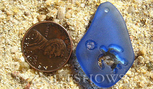 Cultured Sea Glass carved Pendants  <b>32x20mm</b> 33-Royal Blue Carved sea turtle, rhinestone may come off, to be discontinued, 50% discount has been applied, no returns   per  <b>1-pc-bag</b>