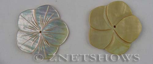 shell - natural color  flower Pendants <b>About 35mm</b>     per   <b>Piece</b>