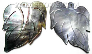 shell - black lip  leaf Pendants <b>40x30mm</b> carved    per   <b>piece</b>