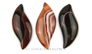 sardonyx  leaf Pendants <b>about 65x28mm</b>  color enhanced    per   <b>Piece</b>