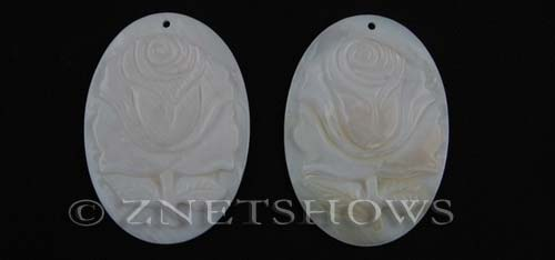shell - white  oval Pendants <b>45x32mm</b> flower    per   <b>piece</b>