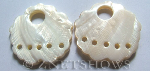 shell - white  flower Pendants <b>46mm</b>  donut with five hole   per   <b>Piece</b>