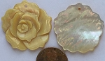 shell - golden lip  rose flower Pendants <b>30mm</b>  carved   per   <b>piece</b>