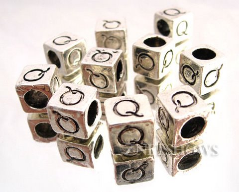 BM Large Hole Letters <b>about 10x9mm</b> Antique Silver Tone silver-plated alloy carved with Q per   <b>10-pc-bag </b>