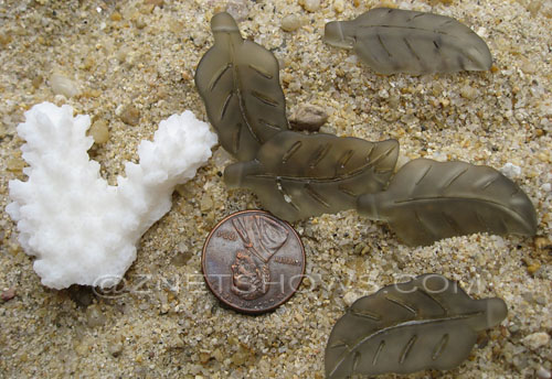 Cultured Sea Glass leaf Pendants  <b>33x17mm</b>  15-Smoky Quartz     per  <b>5-pc-bag</b>