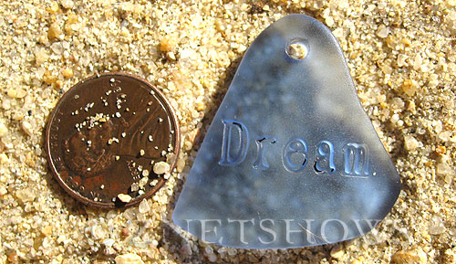 Cultured Sea Glass engraved Pendants  <b>32x31mm</b> 31-Light Sapphire flat freeform shape engraved or etched inspirational characters with `dream`   per  <b>1-pc-bag</b>