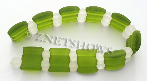 Cultured Sea Glass double hole Beads 20x20mm 22-Olive    per  <b>10-pc-str</b>