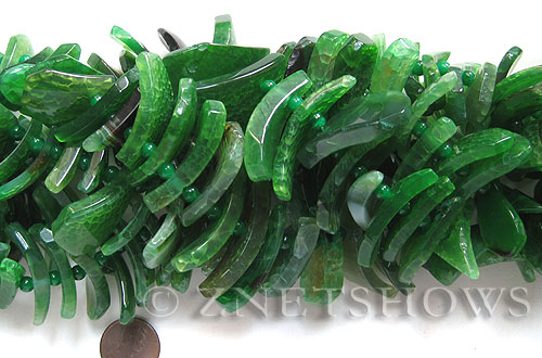 agate  tusk Beads <b>about 20x10mm-40x16mm </b> arch,green color, long strand with over 50 pcs    per   <b> 15.5-in-str </b>