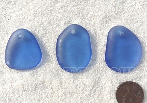 Cultured Sea Glass large pebble for engraving Pendants <b>varied</b> 31-Light Sapphire per <b>3-pc-bag</b>